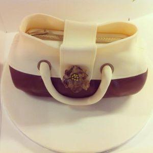 Handbagcake
